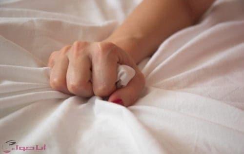 feb576e15cf50 كيفية اثارة الزوج في الفراش اعرفي نقاط اثارة زوجك - مجلة انا حواء