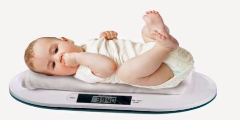 مراحل نمو الطفل تطور وزن طفلك