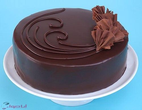 طريقة تزيين الكيك بالشوكولاته بالصور