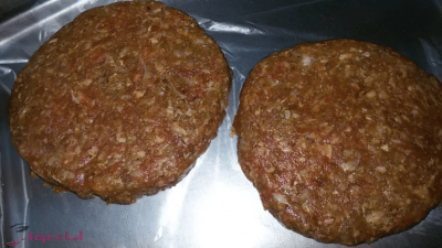 طريقة عمل برجر اللحم -2