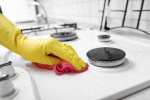 طريقة تنظيف الفرن بالملح
